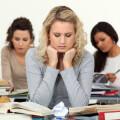 Ansia da Studio e Problemi di rendimento all'università: superare i pregiudizi per un aiuto concreto agli studenti.
